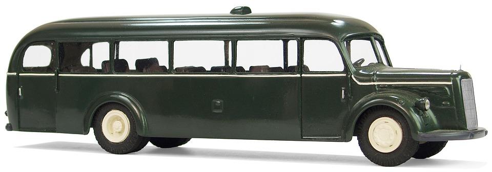 Green Bus (Credit: pixabay/Emslichter)