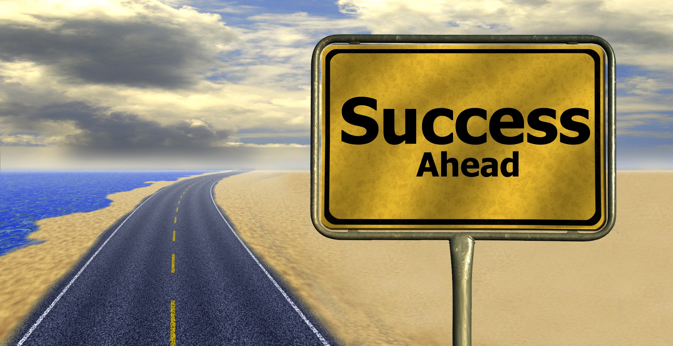 """A road sign that reads """"Success Ahead"""". (Credit: pixabay/geralt)"""